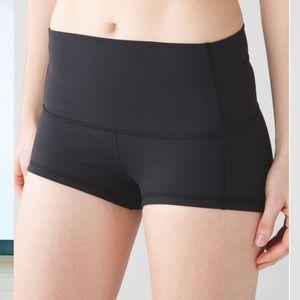 NWOT LULULEMON Wunder Shorts 2in